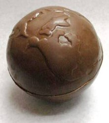 Chocolate World Globe XL 3D